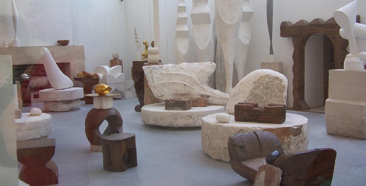 brancusi-scultore-studio